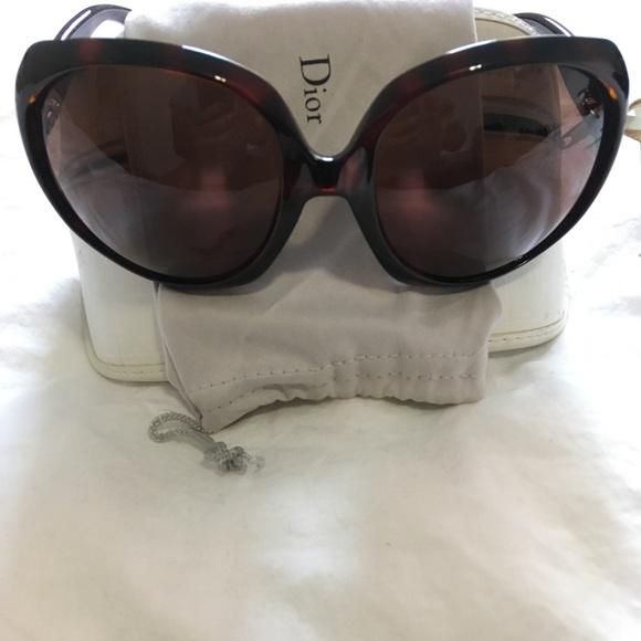 42d2789b28a Dior Accessories - Dior Glossy1 Oversized Retro Sunglasses